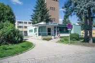 Nemocniční lékárna uvnitř areálu